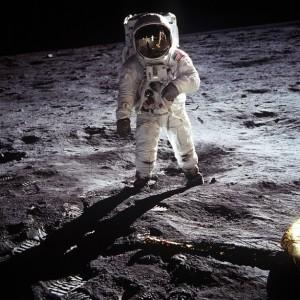 nasa-moon-aldrin-apollo-landing-buzz_121-60582